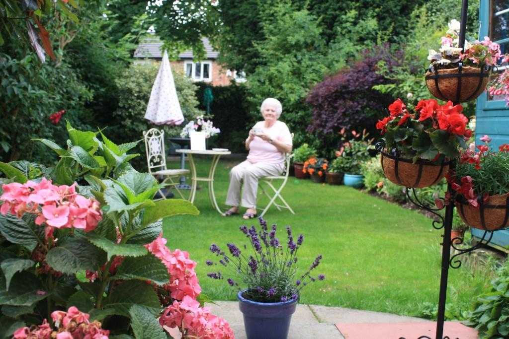 (Norma Ogden   Winner Of U0027Best Gardenu0027   Enjoying A Drink On Her Lawn)