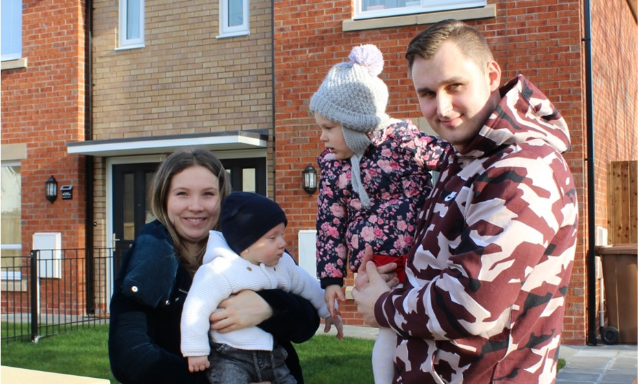 Sylwia And Daniel Nowak With Their Children Alice And Philip 3 Rodenhurst Drive